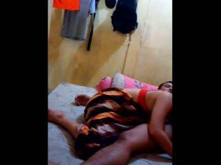 인도네시아의 아기 had 그녀의 고양이 licked 과 fingered