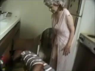 Mans vecmāte ar a melnas dude