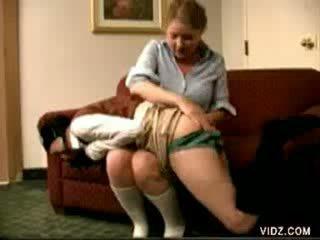 Nerātnas meitene spanked līdz gaišmatis privātskolotājs