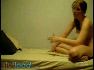 Camila & veronica - nxehtë lezbike amatore vajzat në krevat