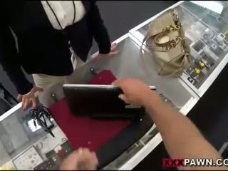 Velký kozičky žena screwed nahoru podle pawnkeeper