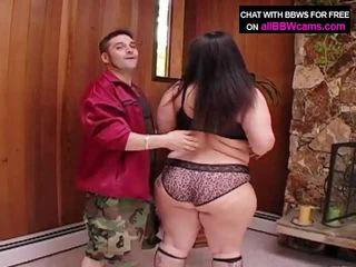 Gigante a chupar mulher gordinha cu super tamanho 1