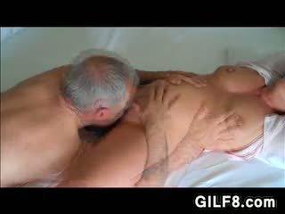 Lolo licking grandmas maturidad puke