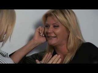 Nina, ginger & melissa - horký milfs v lesbička encounters