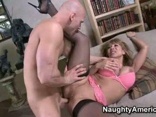 Сексуальна floozy ava devine likes getting cummed в її рот після a хороший hawt ебать