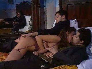 Selen Threesome