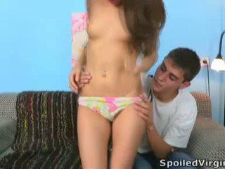 Two lads estropear la virgin para su entertainment
