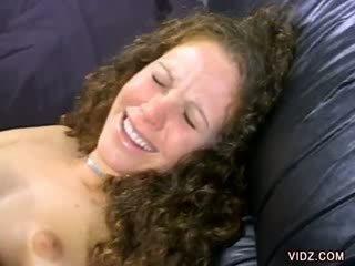Alana evans smiles jako ji kočička je licked