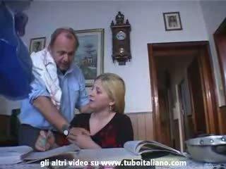 Италиански incest рус тийн прецака от татко