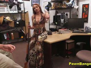 Groot titty latina milf loves een groot lul binnenin haar