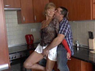 Harig duits grootmoeder loves anaal - r9