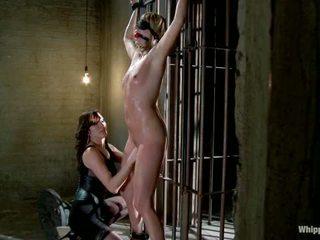Maitresse madeline מוענש ו - מזוין ו - hazed ב כ מנהל של whipped תחת על ידי נסיכה donna