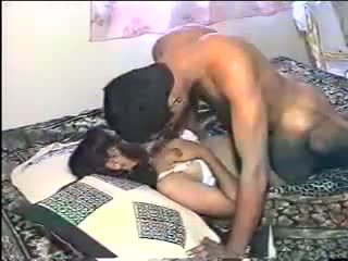 Desi žena phudi jebemti: brezplačno indijke porno video 3f
