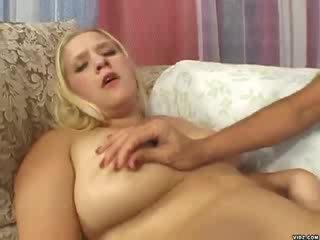 Lelle korpulentas hottie loves karstās vecāks sievietes