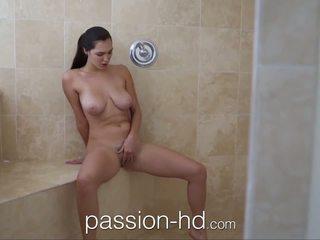 Passion-hd mergaitė masturbacija į dušas gets pakliuvom