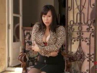 大胸部, 絲襪, 亞洲人