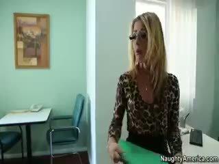 मुख्यालय वास्तविकता आदर्श, महान blowjob, सबसे अभिनेता ऑनलाइन