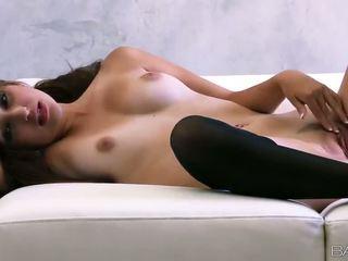 Superb руски мадама natasha malkova fondles тя хубав titties и путка видео