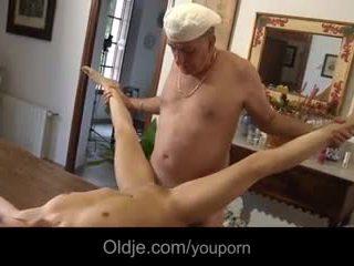 2 retired oldmen fucks tenåringer i ferie