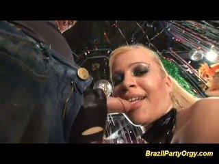 Brazílske anál samba párty orgia