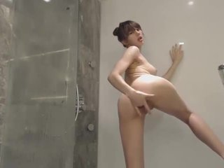 Cute Teen records herself taking shower