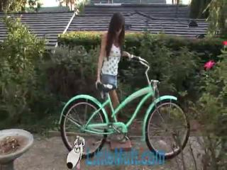 April oneil screws 그만큼 bike! 추가 02 18 2010