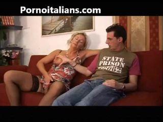 Itališkas kūrva fucks mama su sūnus - mamma italiana troia scopa con figlio italia