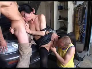 penetrasi ganda, jatuh tempo, threesome