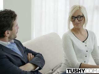 Tushy nóng thư ký kate england gets hậu môn từ khách hàng