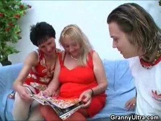Pair nagyanyók having trágár
