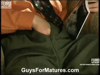 gadis lucah dan lelaki di atas katil, porn in and out action, seks muda lama