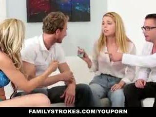 Familystrokes - οικογένεια παιχνίδι νύχτα όργιο