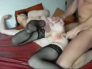 Guy dan jelek perempuan tua pertama anal