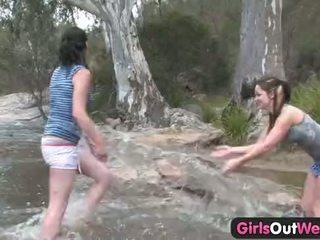 Meisjes uit west - aussie lesbisch river seks