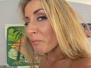 Semeno eating blondýna abby kríž fucked v throat