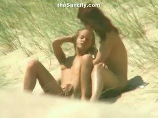Nedves punci masturbation tovább nudista tengerpart