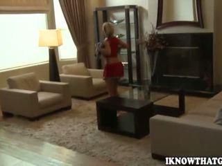 Jasmine jolie amatöör blond ergutustüdruk koos suur perse gets alasti ja blowjobs