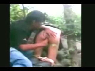 Indonesia- jilbab hijab فتاة مارس الجنس بواسطة bf في ل أدغال