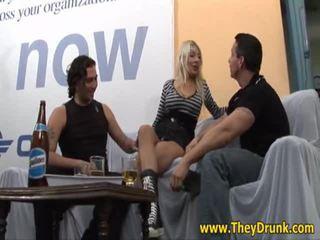 świeży hardcore sex gorące, najbardziej pissing, idealny pijany ładny