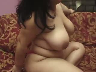 Künti tyňkyja gutaran jelep wants two hard dicks for herself