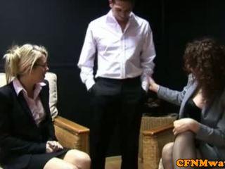 Cfnm hj loving bedrijf vrouwen toying met guys