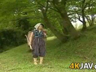 Παλιάς χρονολογίας ιαπωνικό γαμήσι outdoors