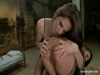Meitene gets viņai dibens slammed