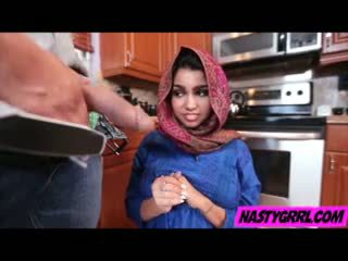 Hijab wearing muslim pusaudze ada creampied līdz viņai jauns meistars