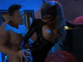 Madelyn marie als pvc catwoman