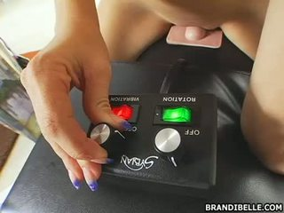 Nympho Brandi Belle finds real pleasure sitting her twat on a fucking machine