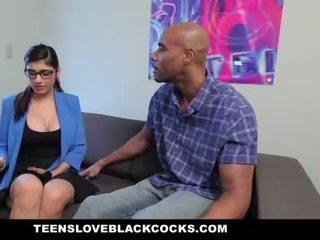 Mia khalifa fucks groß schwarz schwanz