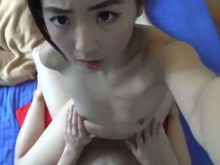 Asiatisk petite tenåring hardcore knullet