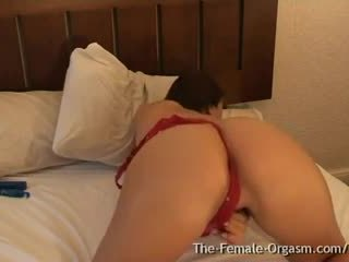 Claudia Rossi is THE Pulsating Pussy Orgasm Queen