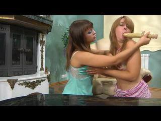 Long gyzlar kiss gyzlar mov with ýabany porno ýyldyzy salome, irene, elvira